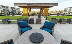 Senior Adult Apartment Rentals - Outdoor Seating